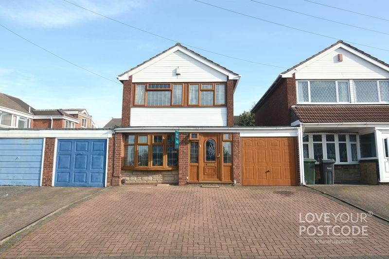 £204,950 three bedroom link-detached home