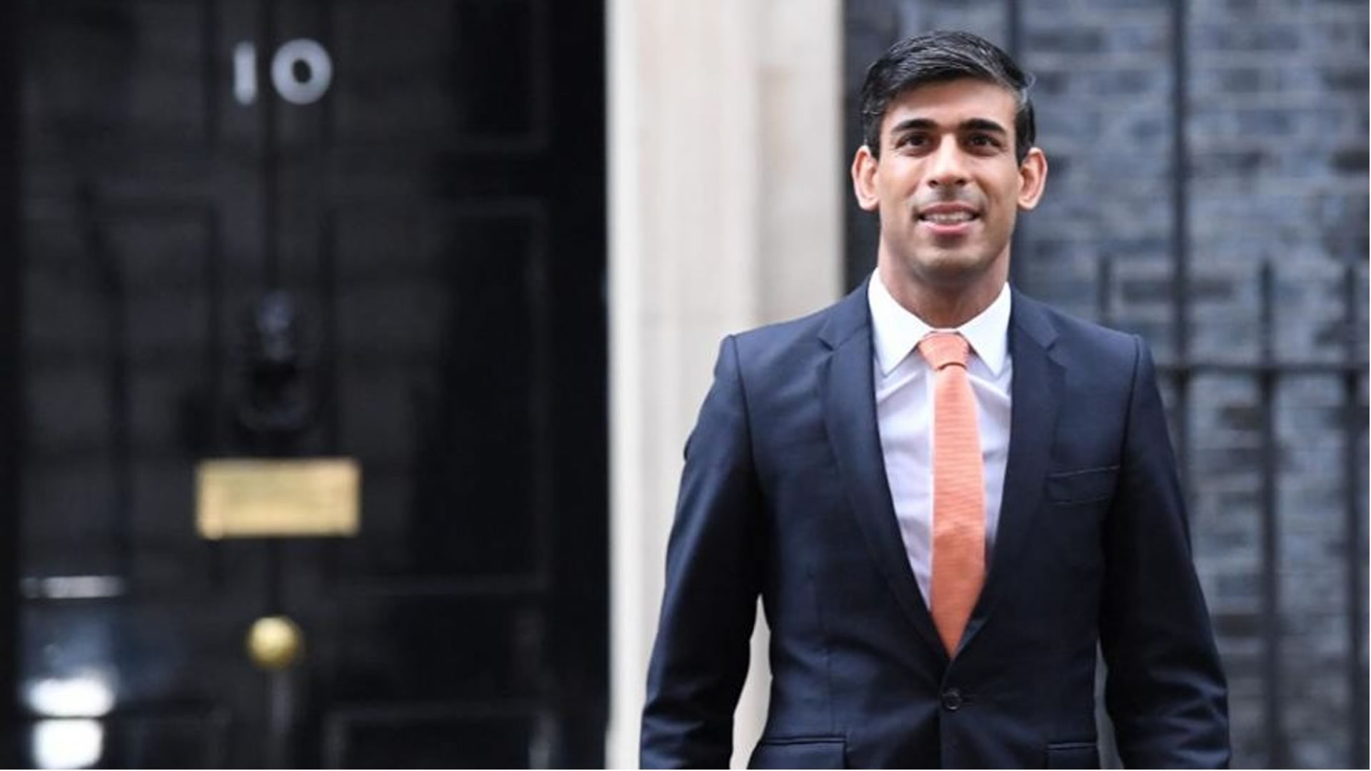Rishi Sunak leaving 10 downing street